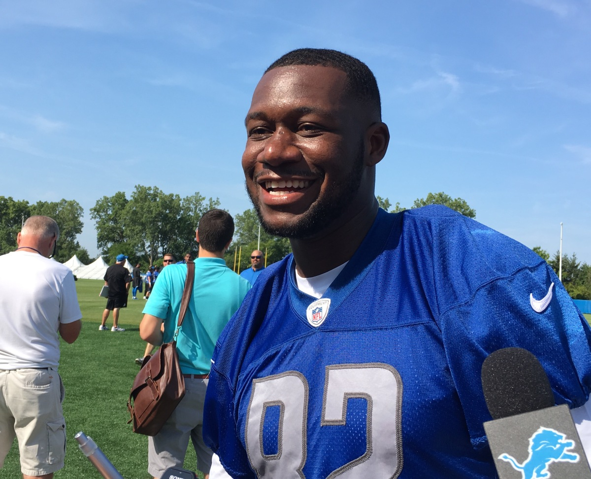 Five things to know about TE Tim Wright who is back with the Lions