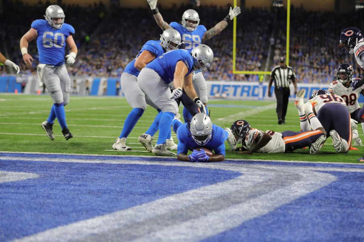 Lions LeGarrette Blount won't point fingers after home loss to Bears but says everyone has much work todo
