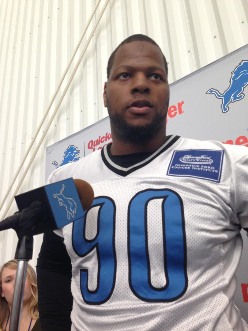 Ndamukong Suh returns to Detroit as Lions take on first-place RamsSunday