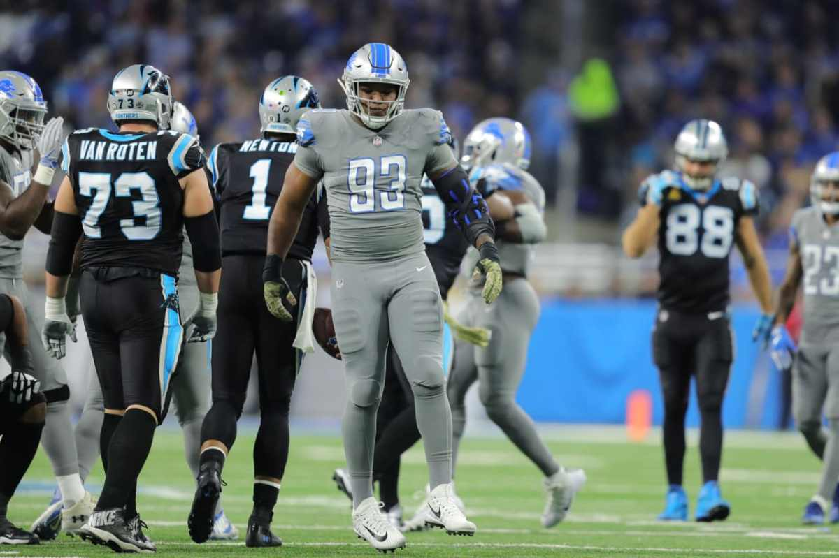 Detroit Lions Da'Shawn Hand claims he's a snacks connoisseur and proves it