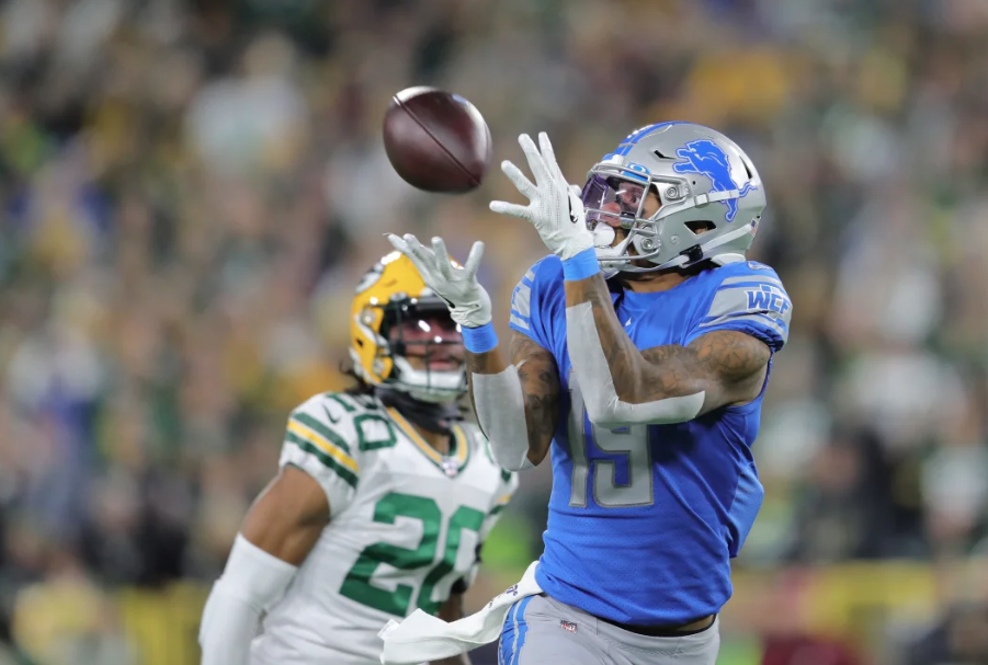 Four bad calls helped doom Detroit; Packers edge Lions 23-22 at Lambeau